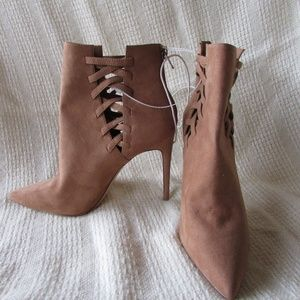 Aldo size 10 tan ankle boot pointed toe heel